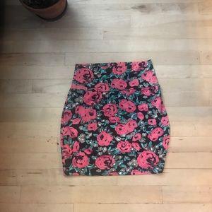 Mini rosey tight skirt
